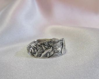 Calla Lily Flower Small Spoon Ring Victorian 1890 Wendell Wedding Flower Symbolic of Purity Chastity