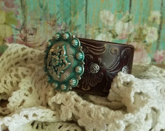 Silver Concho Brown Leather Cuff Bracelet> Native Jewelry/ Turquoise Concho/ Southwestern/ Boho Bracelet/ Country Style/ Gypsy/ Wristband