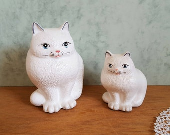 2 Vintage Figurines White Cat, Gyps White Cats, Cat Decor, Mother and Baby Cat Figurines