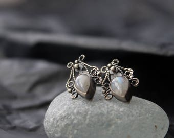 Silver small moonstone earrings,silver earrings filigree,earrings white stone,romantic classic small earrings,silver filigree earrings,boho