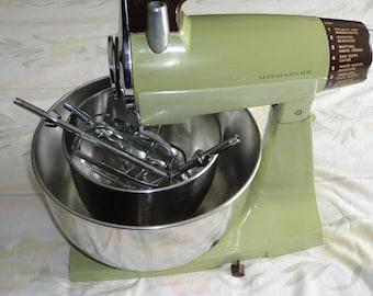 Vintage Sunbeam 12 Speed Electric Mix Master Avacado Green