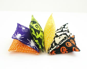 6 Halloween Bean Bags - Kids School Classroom Party Games - 3.5 Inch Beanbags - Bean Bag Toss - Child's Toy - Ghost - Pumpkin - Cat - Spider