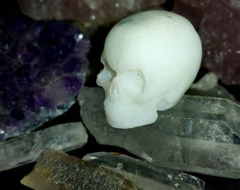 White Silver Glitter Resin Skull Ornament (Tiny)