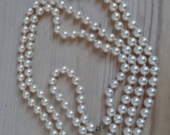 Vintage glass Pearl flapper style necklace