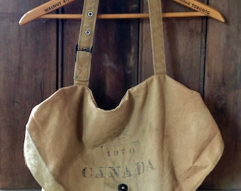 vintage mail bag / messenger bag / canvas messenger bag / motorcycle mail bag / Canadian mail bag