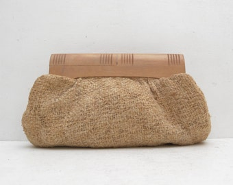 Vintage Woven Fabric Clutch Wooden Handle; Straw Look Brown Tweed Purse Kiss Lock; FREE SHIPPING U.S.A.