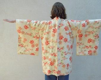 Vintage silk kimono - cream with vibrant peach / orange / coral flowers - vintage clothing