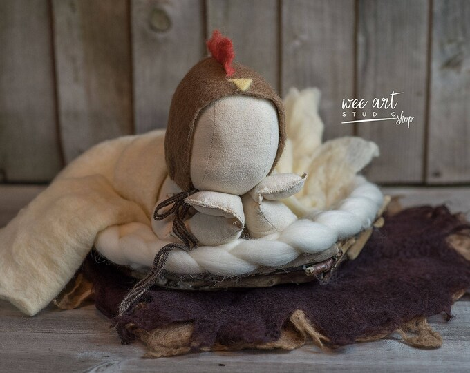 Featured listing image: Chicken rooster bonnet