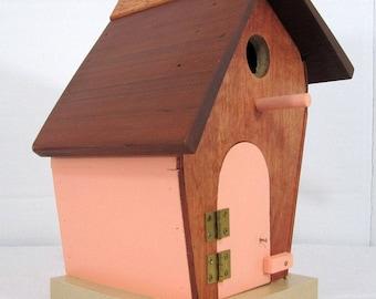 Leaner Birdhouse #556