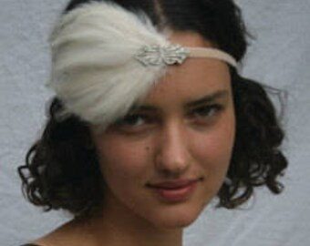 Great gatsby wedding headpiece,  Tocado Novia 1920s  feather fascinator, flapper headband. Silver Swarovski elastic stretch velvet headpiece