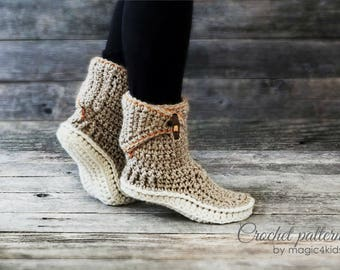 Crochet pattern- women adjustable slipper-boots with optional extra outsoles,winter,adult sizes,loafers,footwear,house,bulky yarn,buttons
