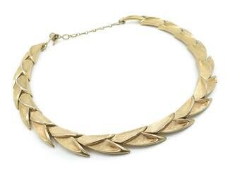 Vintage Trifari Necklace, Links, Gold Tone, Signed