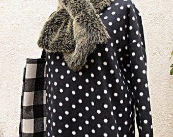 Reversible fur scarf