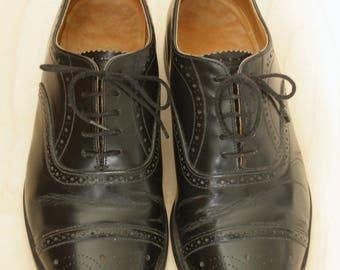 Black leather Derbys. Cap toe Derbys. Black lace up oxfords. Mens leather shoes. Black mens shoes. Made in England. Size 8.5