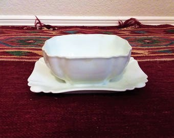 Antique Circa 1875-1882 Haviland &Co. Limoges White Gravy or Sauce Boat Blank Pottery and Stoneware Collection