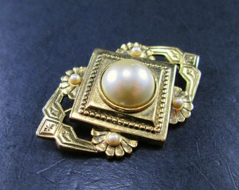 Vintage 60s Faux Pearl Gold Tn Brooch Pin