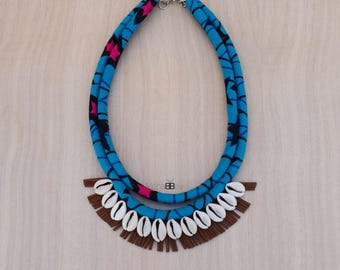 African fabric statement necklace, collier plastron, collier en wax africain, tribal necklace, bib necklace, gift for women
