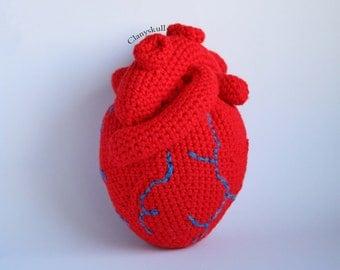 Amigurumi corazón humano.