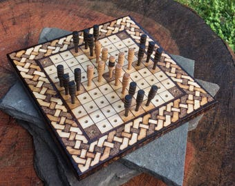 "Hnefatafl Game: Lapland Tablut - Mini Handheld Board Game (6.5"" square), Finnish variant of Tafl, handcrafted & customizable - MADE TO ORDER"