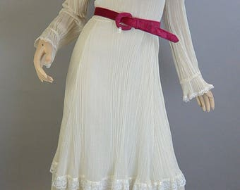 Gunne Sax Dress// Jessica McClintock White Dress// Peasant Girl Linen Dress