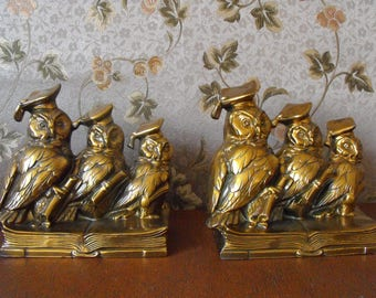 Pair of Vintage Brass signed Jennings Brothers three wise student owls graduation scholar bookends.