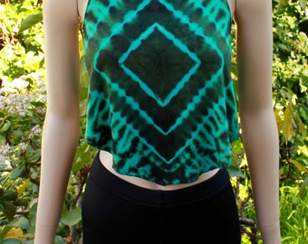 Diamond eyes tie dye halter top // two-toned forest green // festival & everyday wear