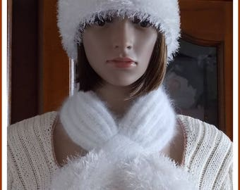 White feather effect Angora Hat