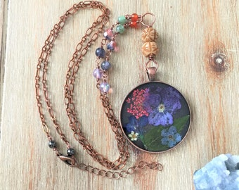 Long pressed flower necklace with carnelian, green kyanite, and iolite // dried flower necklaces // pressed flower jewelry // boho necklace