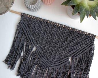 "SAMPLE SALE | Macrame Wall Hanging ""Grey"" - 100% coton rope - Wooden dowel"