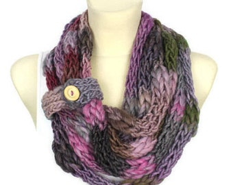 Multicolor Infinity - Knit Shawl - Chunky Winter Scarf - Knit Loop - Knitted Scarf - Finger Knit Scarf - Bulky Scarf - Valentines Gift