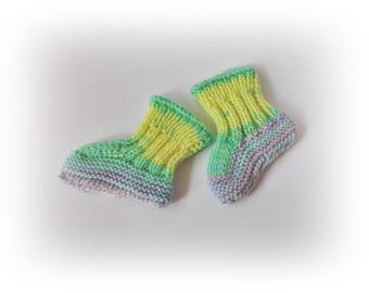 0-3 months Knit baby booties, Rainbow baby boots, Knitted baby booties, Baby shoes, Baby girl boy shoes, Crib shoes , Newborn baby shoes