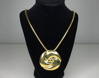 vintage gold tone necklace with medallion