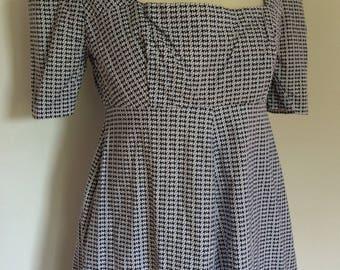 Vintage dress 1970's Dress blue white square neck short sleeved dress Size Small UK 10