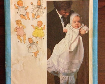 Simplicity 8971 - 1970s Babies Christening Outfit Collection with Dress, Romper and Gown - Size 6 Months