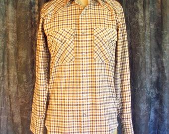 Vintage 70s Western Shirt / Mens Vintage Wrangler 1970s Gingham Shirt / 1980s Western Shirt Pearl Snap Buttons