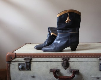 Vintage boots Blue Navy leather upper Made in Italy, boots tassel leather 80's Boots LeatherVintage