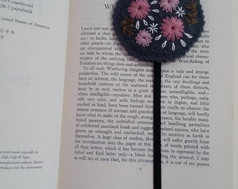 Felt Bookmark, Embroidered Bookmark, Student Gift, Teacher Gift, Student Club Gift, Books, Bookmarks, Unique Bookmarks, Readers Gift