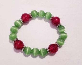 Red & Green Stretch Bracelet, Christmas Glass Bead Bracelet, Holiday Bracelet