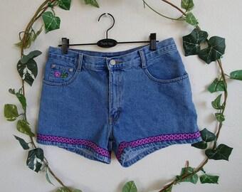 Vintage 90s Jean Flower Patch Shorts