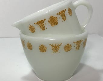 1970's | Corning/Pyrex Sugar Bowl and Creamer Set | butterfly gold corelle