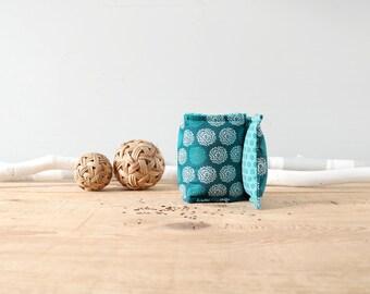 Bouillotte sèche cervicales / Coton turquoise et bleu canard / Bien-être au naturel / Graines de lin / Écologique