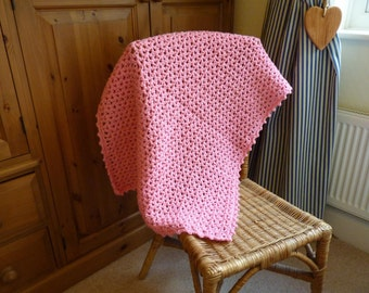 Pink crochet baby blanket 33 x 24.5 inches