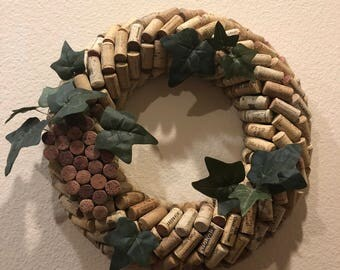 Cork wreath with or without grapes
