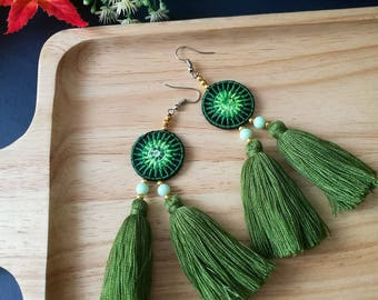 Handcraft Embroidered Tribal Ethnic Earrings Dangle Drop Fringe Boho Chic Beaded Green Tassel Earrings