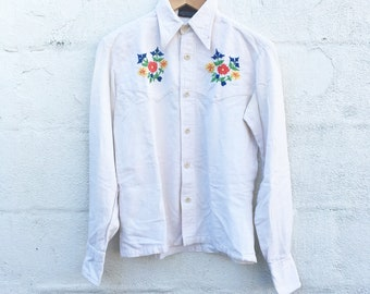 70's Embroidered Linen Button Up