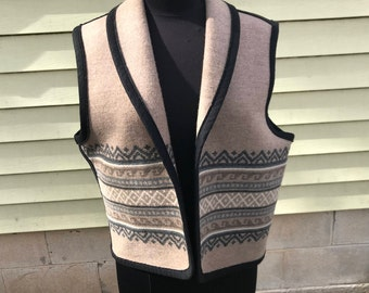 Pendleton Wool Southwest Blanket Vest/ Large/Unisex/Navaho/Native American/Neutral Tan Gray Black Cream/1980s 90s/Boho/