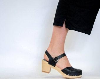 Swedish Clogs for Women / Strap Leather Shoes / Vegetable Tanned / Leather Sandals / Womens Slippers / Strap Sandal / Sandgrens / Copenhagen