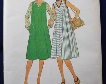 Sewing Pattern for a Woman's Dress in Size 24-26 - Simplicity 8056