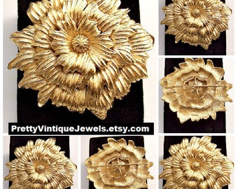 Monet Sunflower Head Pin Brooch Gold Tone Vintage Triple Layered Curved Scallop Edges Nail Head Center Florentine Lined Back