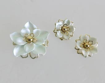 Vintage Signed Emmons White Enamel and Gold Tone Flower Brooch/Pin With Matching Clip On Earrings - Vintage Jewelry, Vintage Signed Jewelry